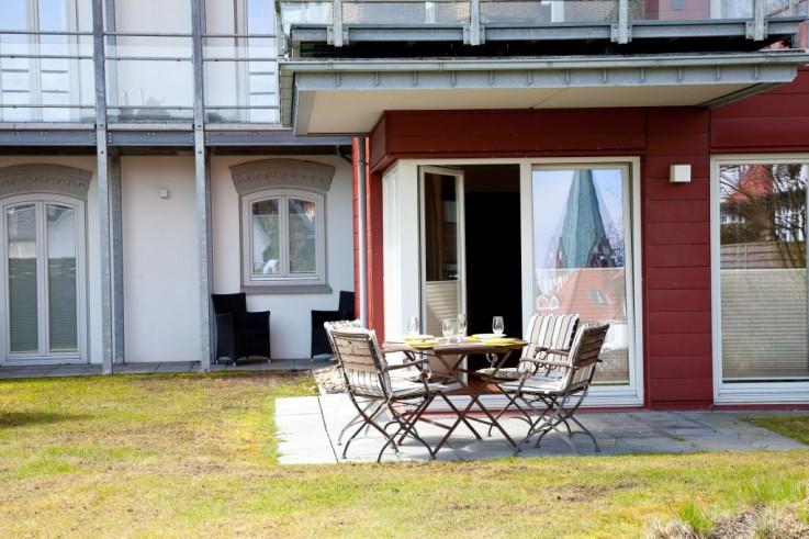 Wundersch�ne Terrasse mit gro�er Rasenfl�che im Ferienappartement 2.