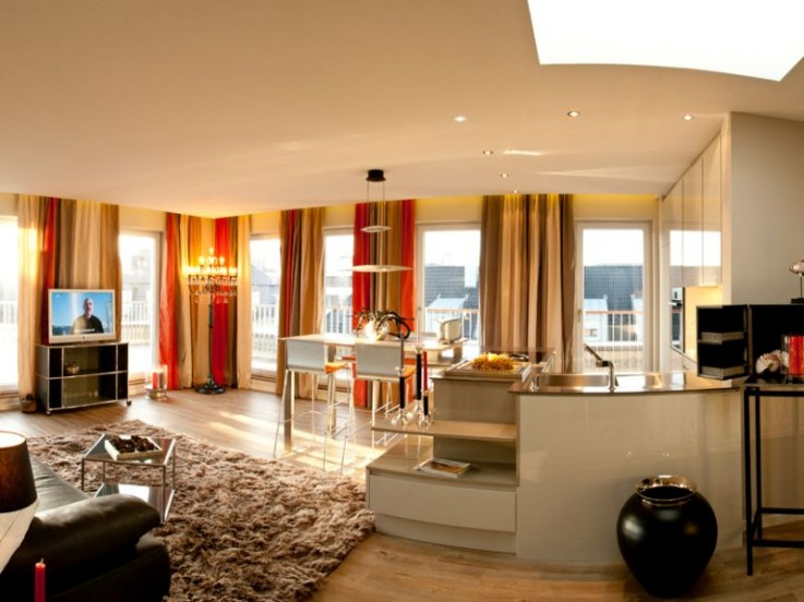 Traumhaftes Ambiente in warmen Farben im High End Penthouse in Westerland.
